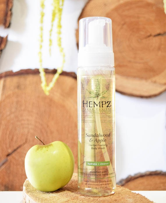 SANDALWOOD E APPLE BODY WASH